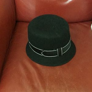 Downton Abbey style wool hat NWT
